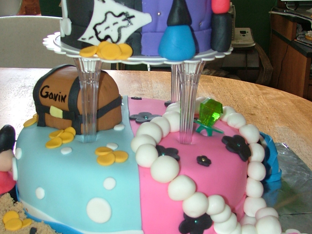 Boy Girl Half And Pirate Girly Bday Cake