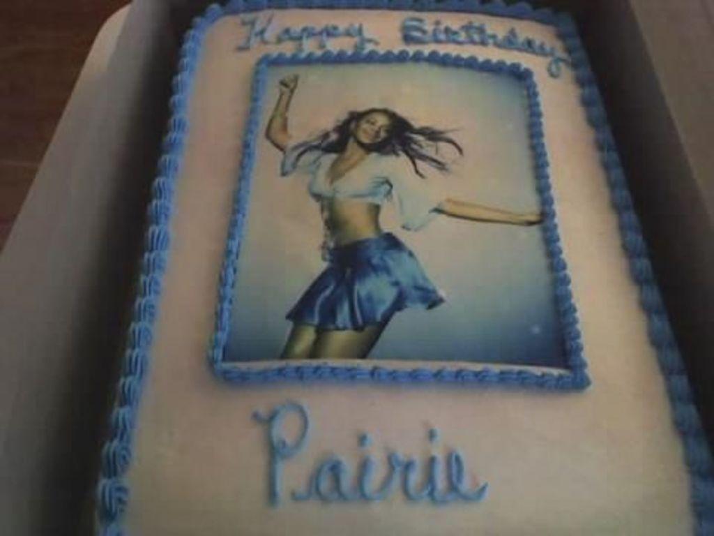 Sensational Beyonce Birthday Cake Cakecentral Com Personalised Birthday Cards Veneteletsinfo