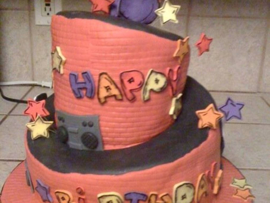 Admirable Hip Hop Birthday Cake Cakecentral Com Funny Birthday Cards Online Inifodamsfinfo