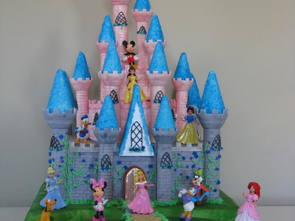 disney castle - cakecentral