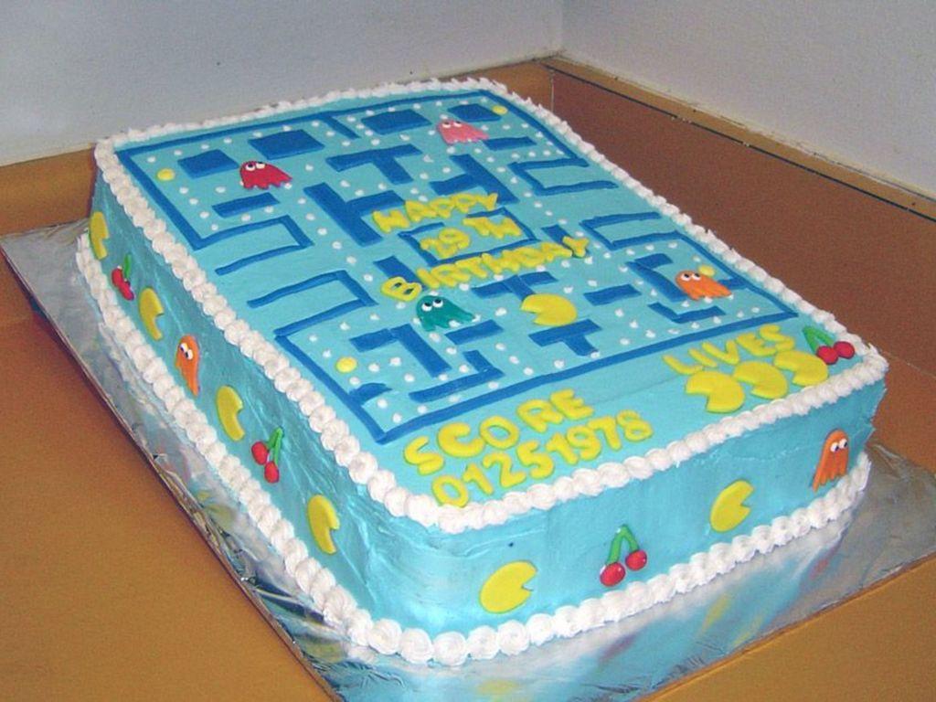 Awe Inspiring Pacman Birthday Cake Cakecentral Com Funny Birthday Cards Online Alyptdamsfinfo