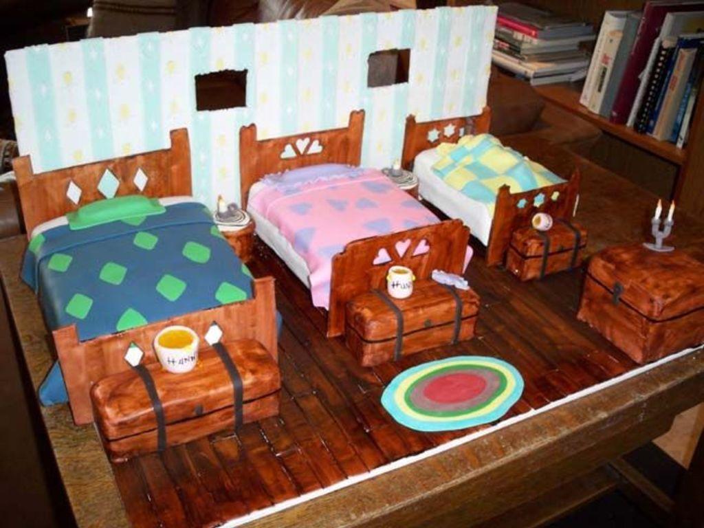 Uncategorized Goldilocks Bed goldilocks and the 3 beds cakecentral com com