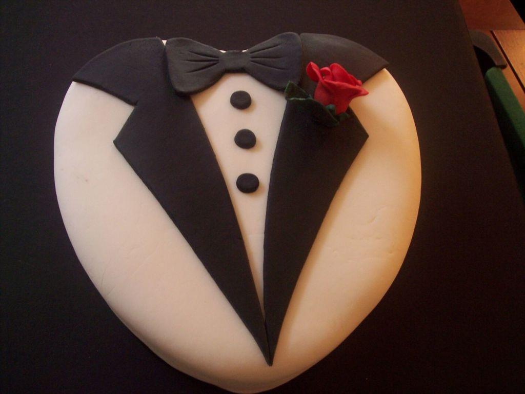 Tuxedo Groom's Cake - CakeCentral com