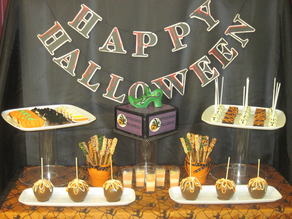 Halloween buffet table - Halloween Buffet Table 24