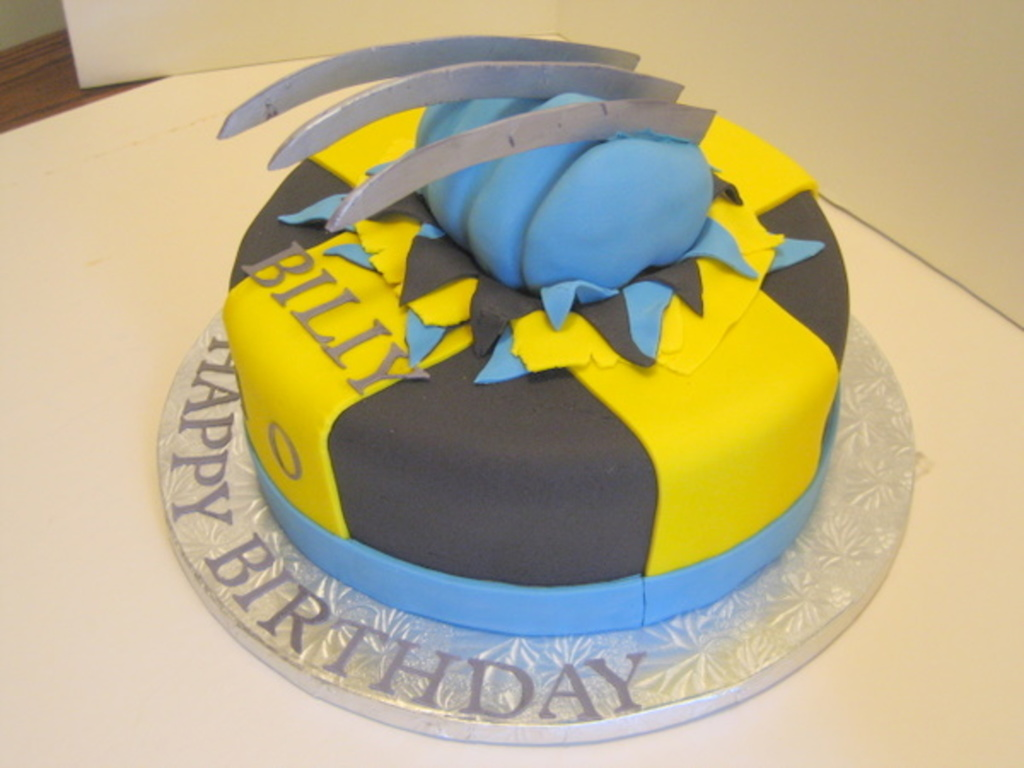 Wondrous Wolverine Birthday Cake Cakecentral Com Personalised Birthday Cards Veneteletsinfo