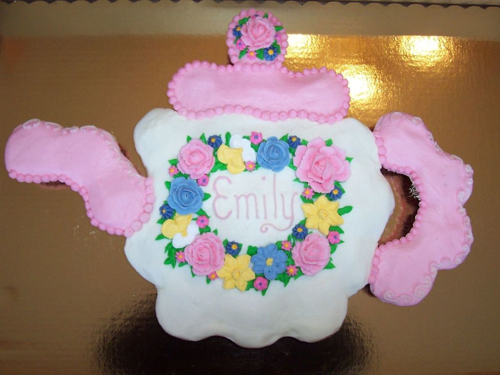 Teapot Cupcake Cake