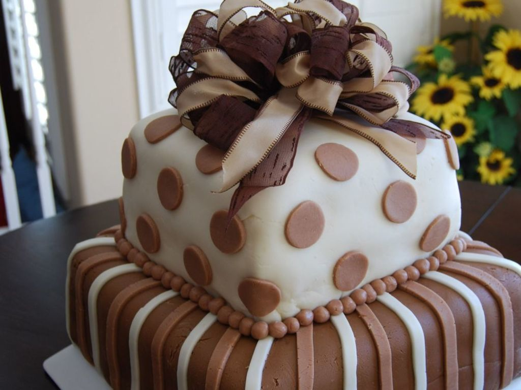 Brown And White Large Square Two Tiered Cake Cakecentral
