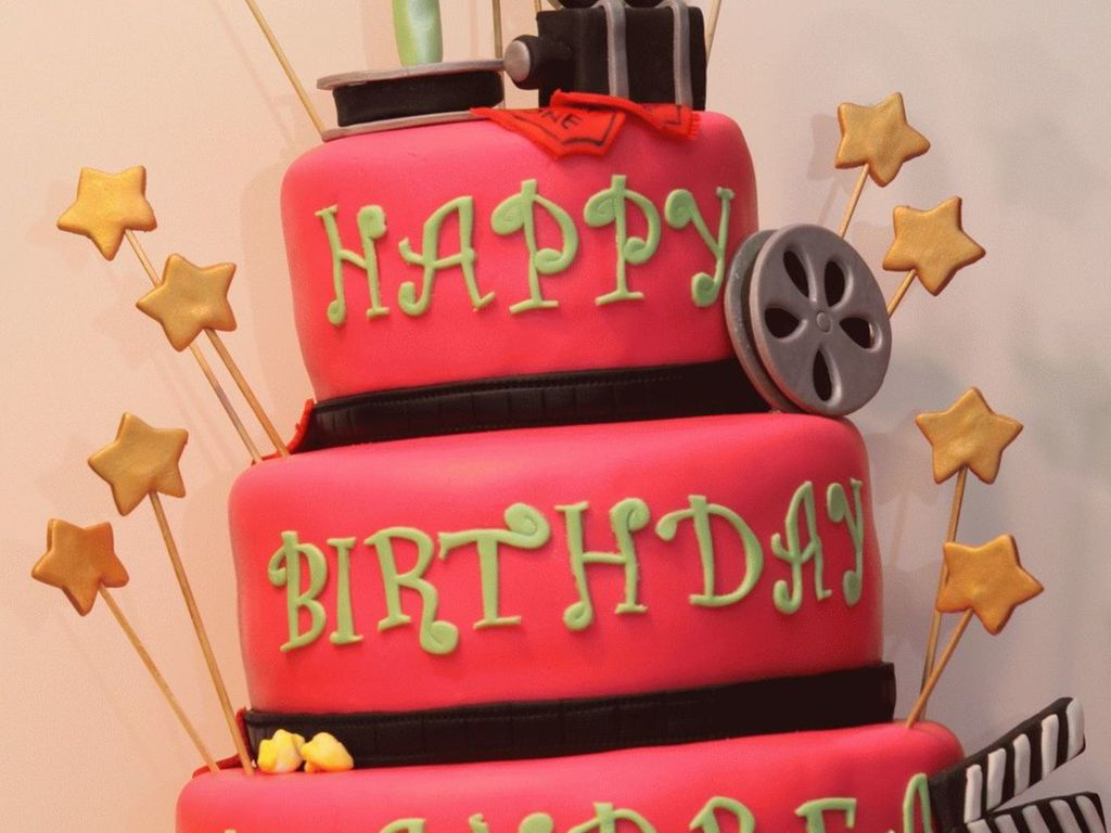 Astounding Hollywood Birthday Cake Cakecentral Com Funny Birthday Cards Online Elaedamsfinfo