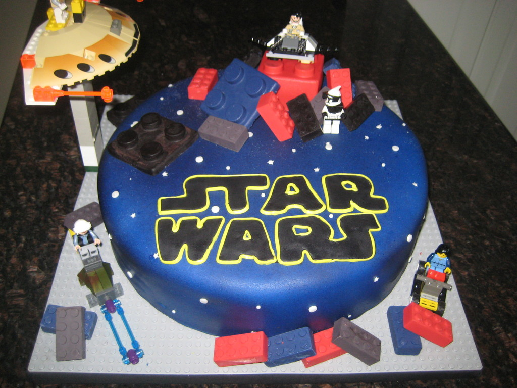 Star Wars Lego Decorations Star Wars Lego Cake Cakecentralcom