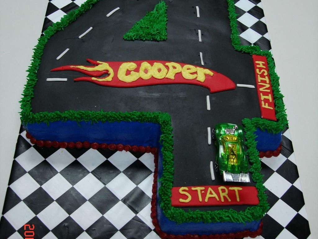 Wondrous 4 Hot Wheels Birthday Cake Cakecentral Com Funny Birthday Cards Online Chimdamsfinfo