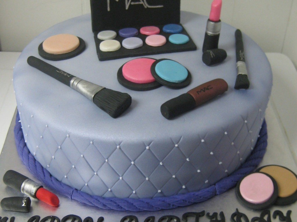 Remarkable Mac Makeup Birthday Cake Cakecentral Com Personalised Birthday Cards Sponlily Jamesorg