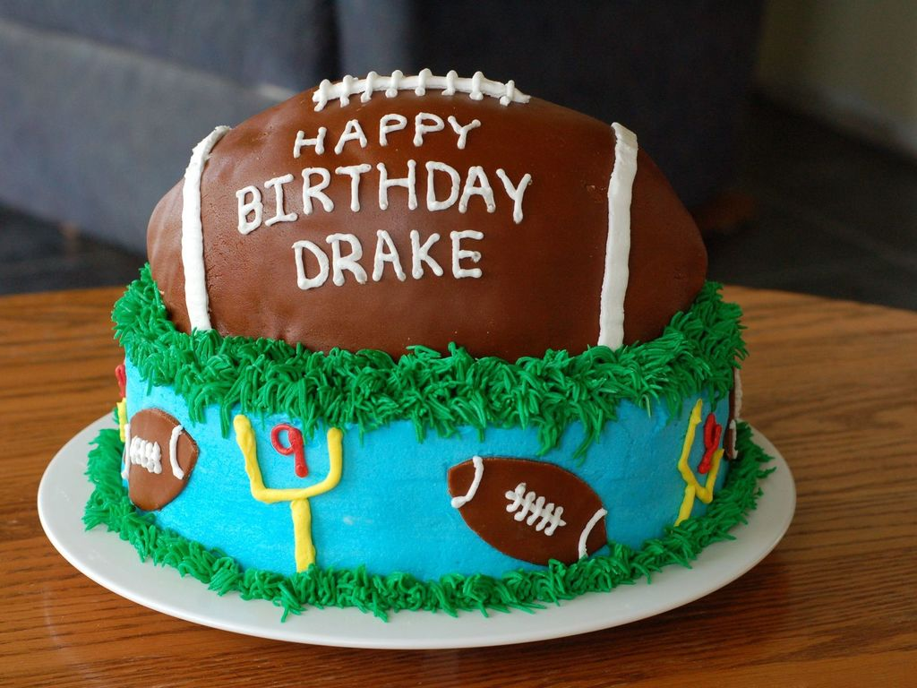 Wondrous Football Birthday Cake Cakecentral Com Personalised Birthday Cards Paralily Jamesorg