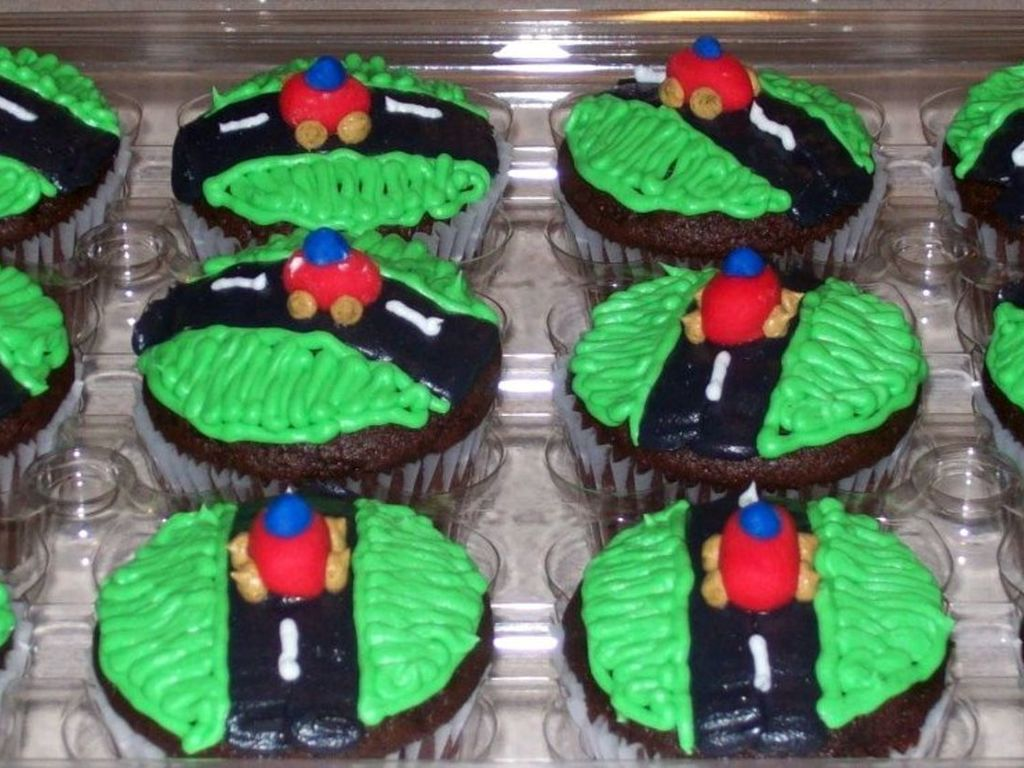 Race Car Cupcakes Cakecentral Com