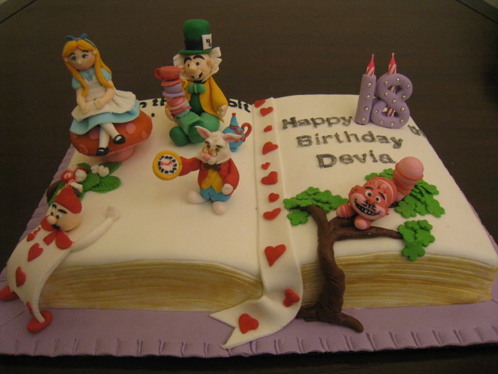 Simple Tinkerbell Cake