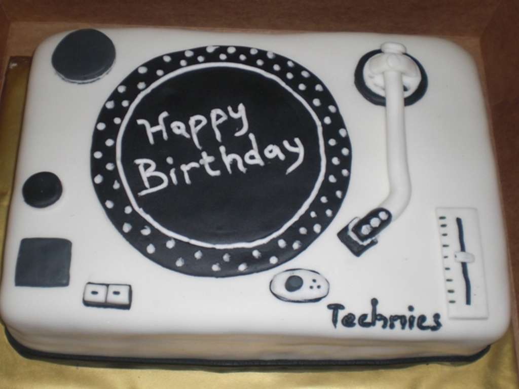 Fantastic Dj Turntable Cakecentral Com Birthday Cards Printable Benkemecafe Filternl