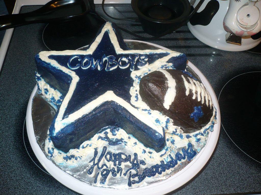 Brilliant Dallas Cowboys Birthday Cake Cakecentral Com Funny Birthday Cards Online Alyptdamsfinfo