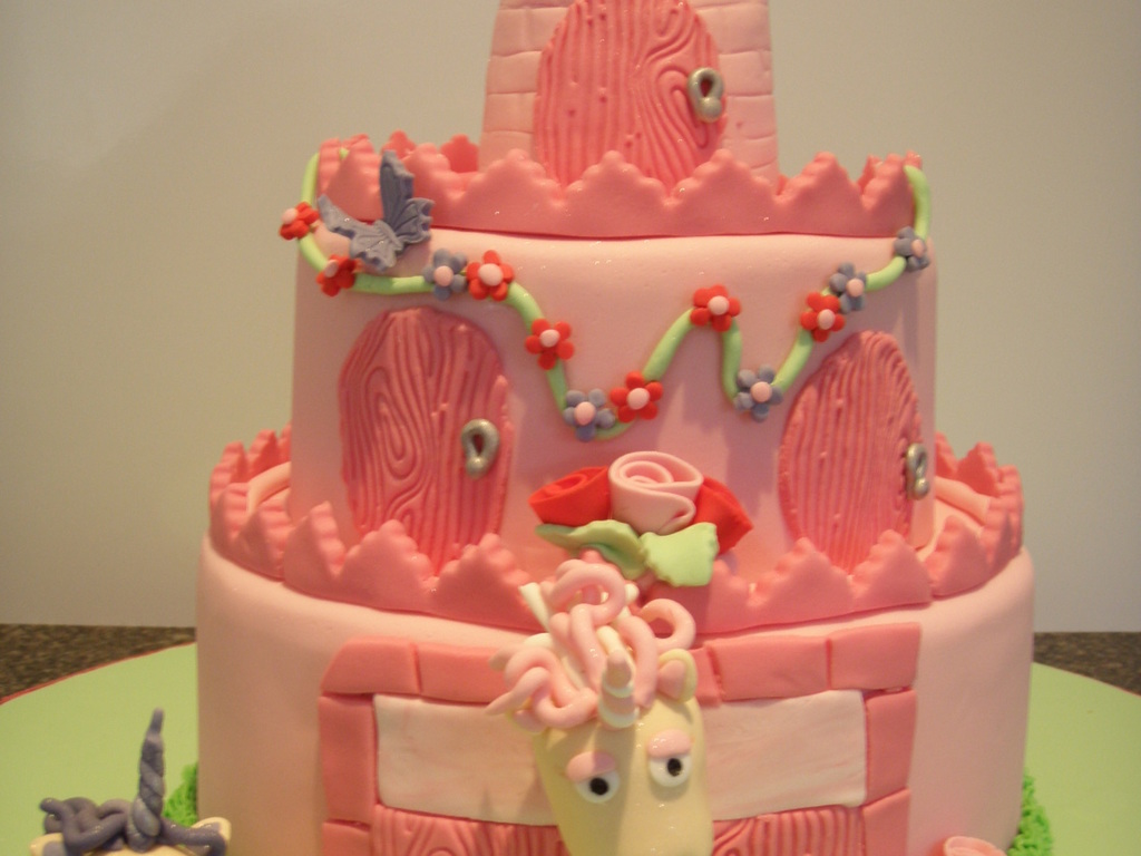 pink unicorn castle cake - cakecentral