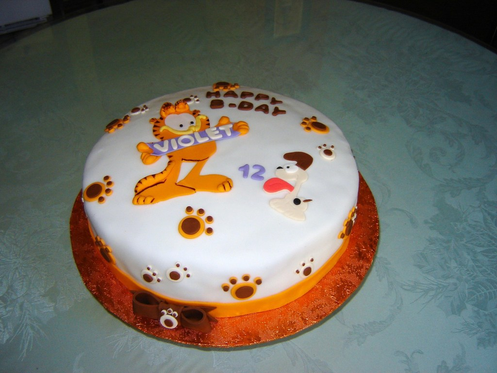 Garfield The Cat Birthday Cake