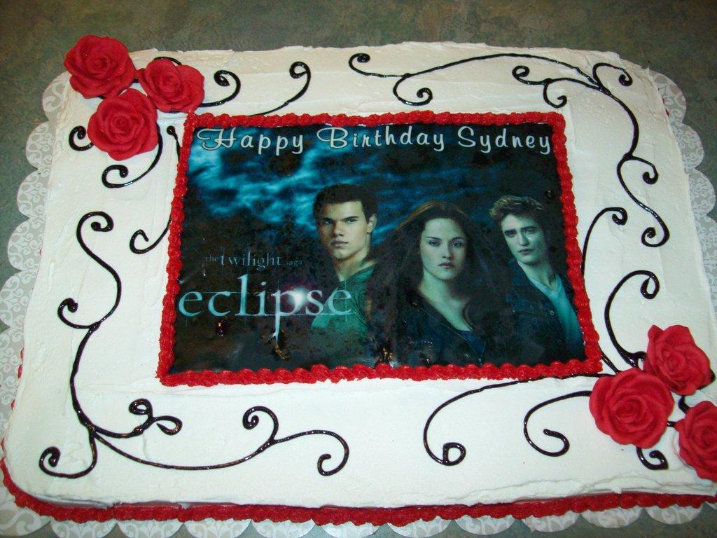 Swell Twilight Saga Eclipse Birthday Cake Cakecentral Com Funny Birthday Cards Online Overcheapnameinfo