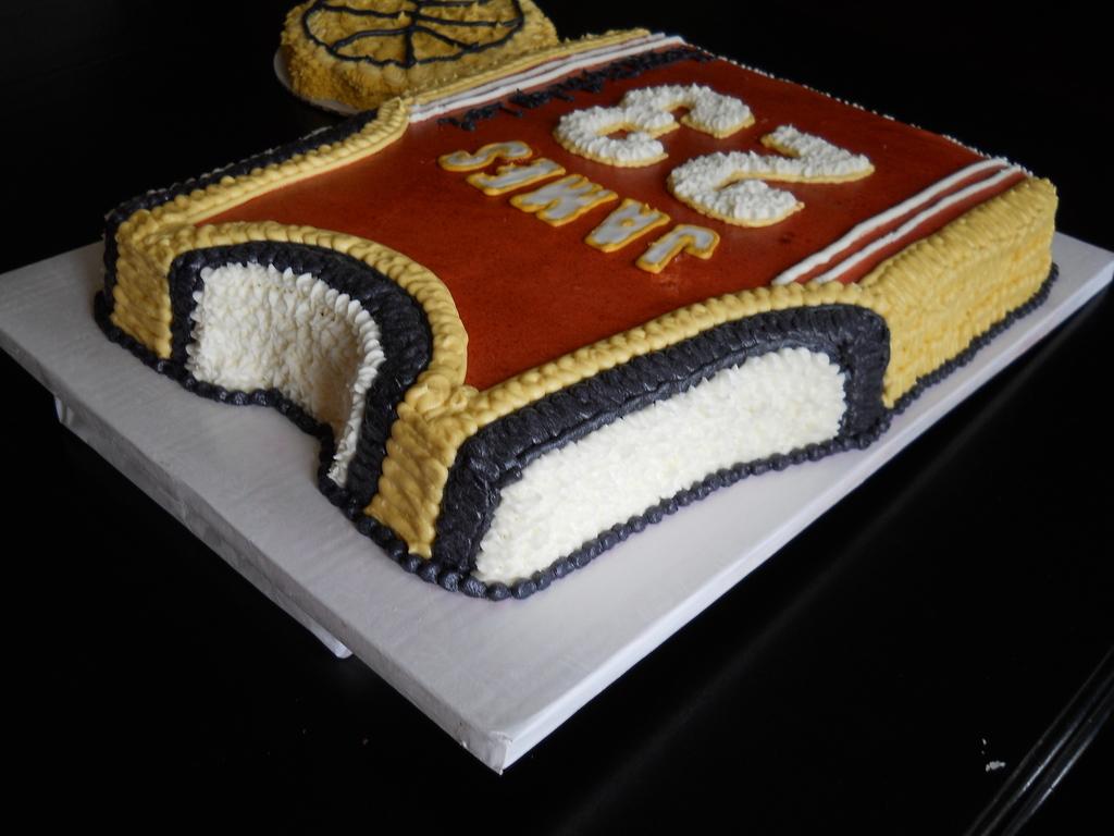 Lebron James Cavs Cakecentral Com