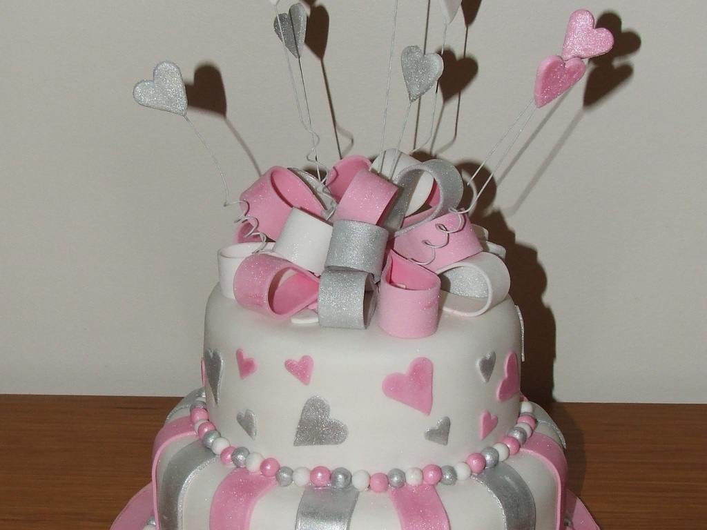 Groovy Pink White And Silver Wedding Cake Cakecentral Com Funny Birthday Cards Online Amentibdeldamsfinfo