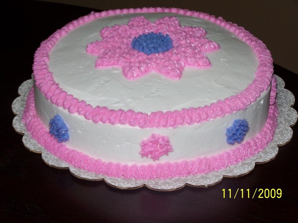 Wilton Cake Class--Flower Cake--11/11/09 - CakeCentral.com