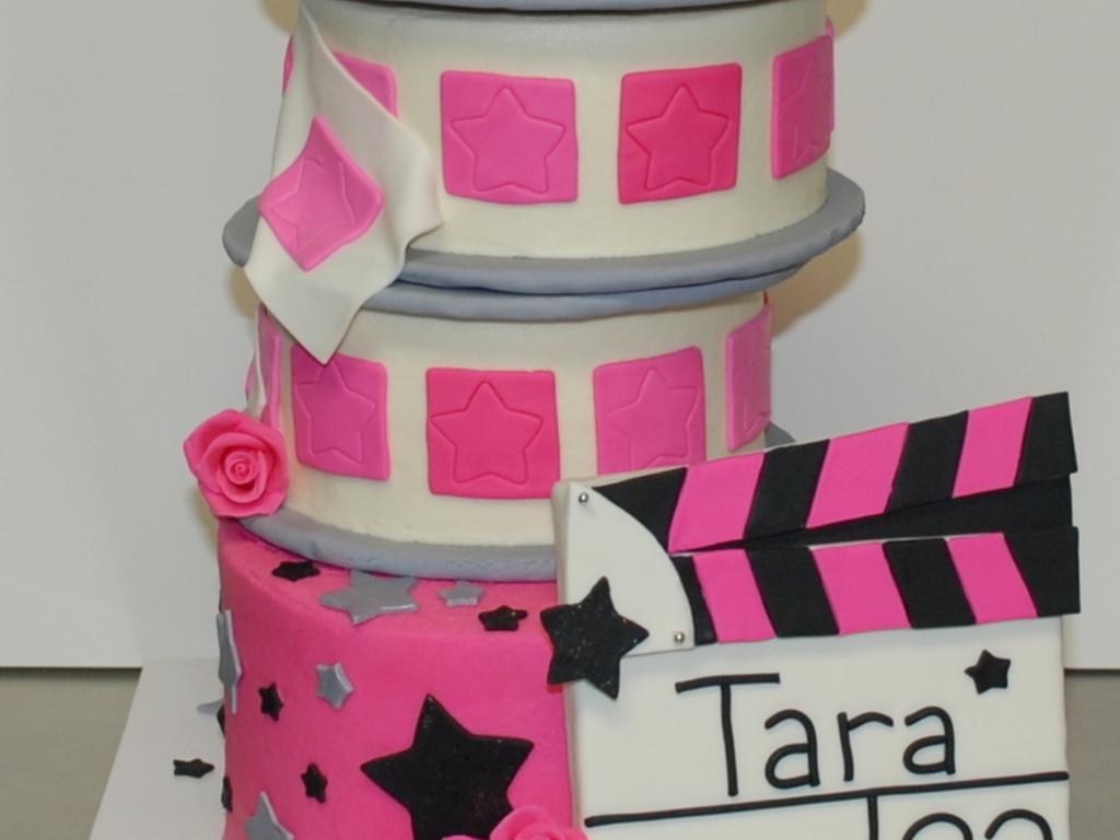 Prime Movie Themed Birthday Cake Cakecentral Com Funny Birthday Cards Online Alyptdamsfinfo