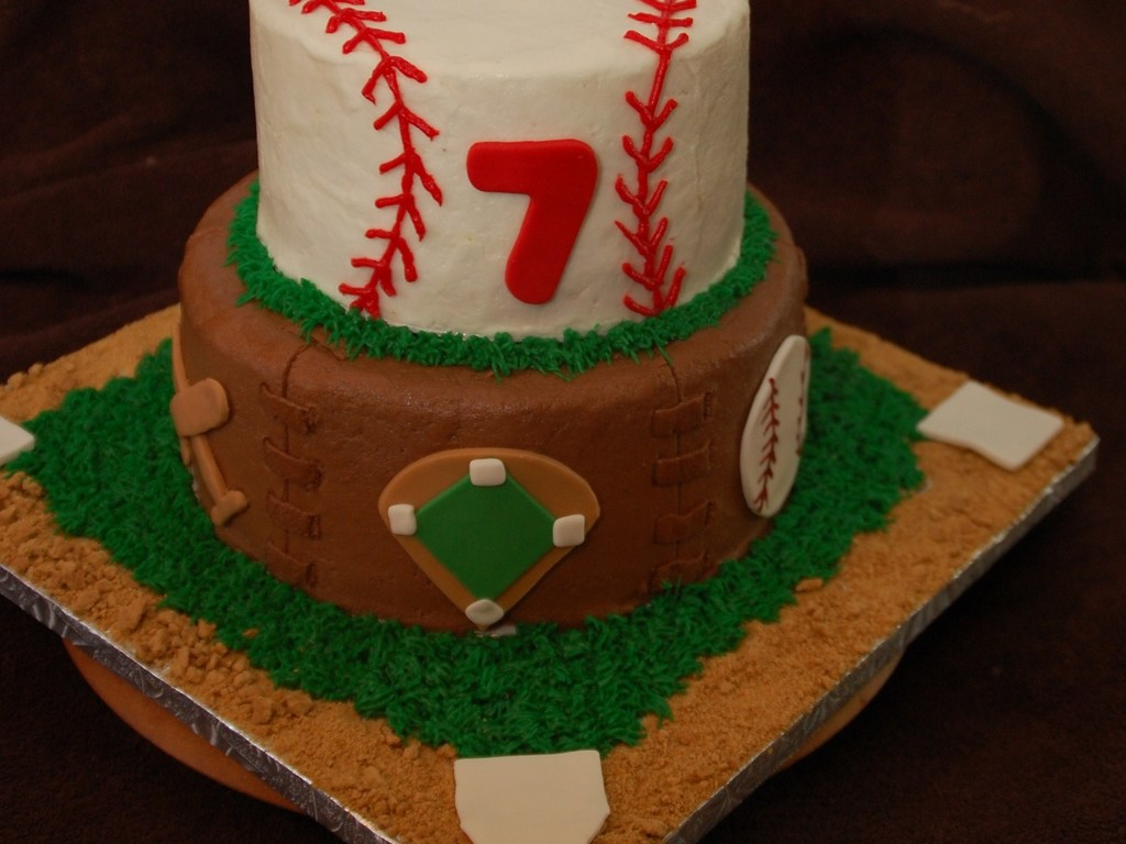 Magnificent Baseball Birthday Cake Cakecentral Com Personalised Birthday Cards Paralily Jamesorg