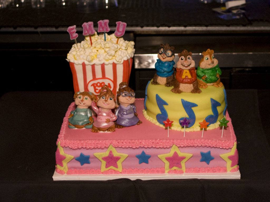 Awesome Alvin And The Chipmunks Squeakquel Birthday Cake Cake Gallery On Funny Birthday Cards Online Alyptdamsfinfo