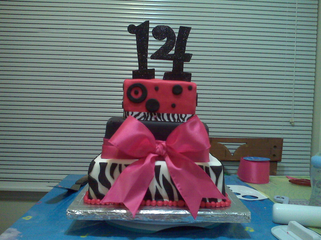 Marvelous 14Th Birthday Cake Cakecentral Com Funny Birthday Cards Online Alyptdamsfinfo