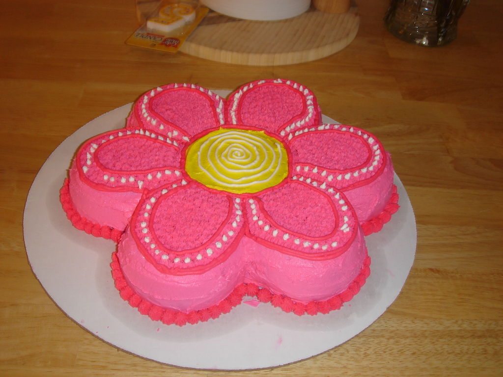 Flower Power Birthday Cake For My 5 Year Old Daughter Cakecentral