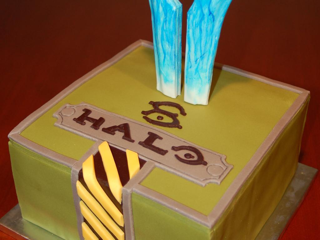 Halo Birthday Cake CakeCentralcom