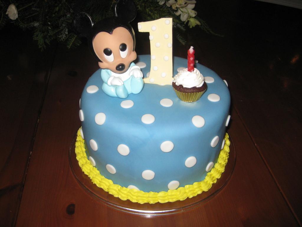 Astounding Baby Mickey First Birthday Cake Cakecentral Com Funny Birthday Cards Online Necthendildamsfinfo