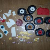Lightning Mcqueen & Mater (Pieces) These were all the pieces that had to go on to the cakes done in MMF.