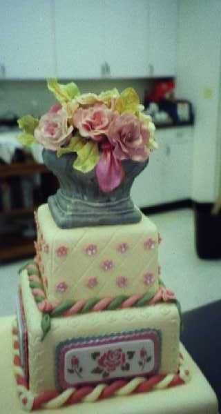 Gum Paste Class With Colette Peters Square Cake With Rose Urn