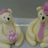 Fondant Bride And Groom Bears These are so cute! I love making these! they are so much fun! Hope you all like