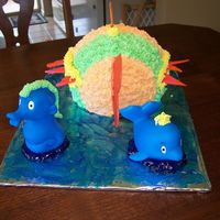 Fish Cake-Back View I made this cake again for my niece's 1st birthday, it was her 'play in' cake. this is the best view. The fines are made...