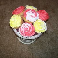 Cupcake Bouquet Cupcake bouquet for Memorial day bbq at church. Thanks to cambo for her instructions.