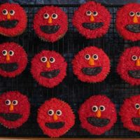 A Whole Bunch Of Elmos
