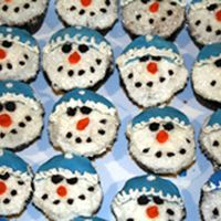 Snowman Cupcakes   I made these for my son to take to school for his birthday.