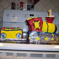 Little Engine This is a cake I did for my 1 year old son's birthday.