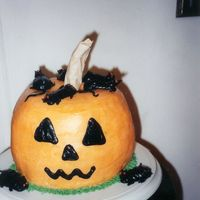 Pumpkin And Rats! This cake has been attacked by the city rats!