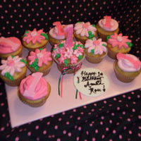 Pink Daisy Cupcakes For A 1St Birthday Fondant 1's and Tag