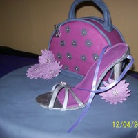 Shoe And Purse gumpaste shoe and purse , thanks for the cakecentral bakers for you ideas and inspiration