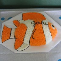 Famous Clown Fish I used a football pan for this one and added the fins to the cake board. My son loved it.