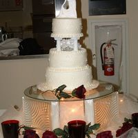 Today's Wedding Cake Here is the cake I did for a wedding for tonight. As of this writing, the wedding hasn't even started yet!!! The setup turned out...