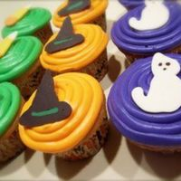 Halloween Cupcakes   Buttercream frosting with chocolate decorations.