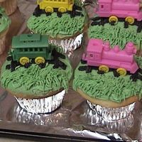 Train Cup Cakes