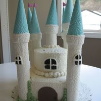 Castle Cake This cake was for my daughter's 6th birthday. Many thanks to CakeBoss for their incredibly detailed tutorial on their website!Towers...