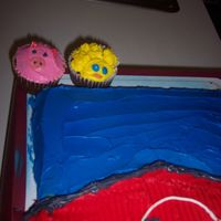 Pig And Chick Cupcakes These went along with the barn cake